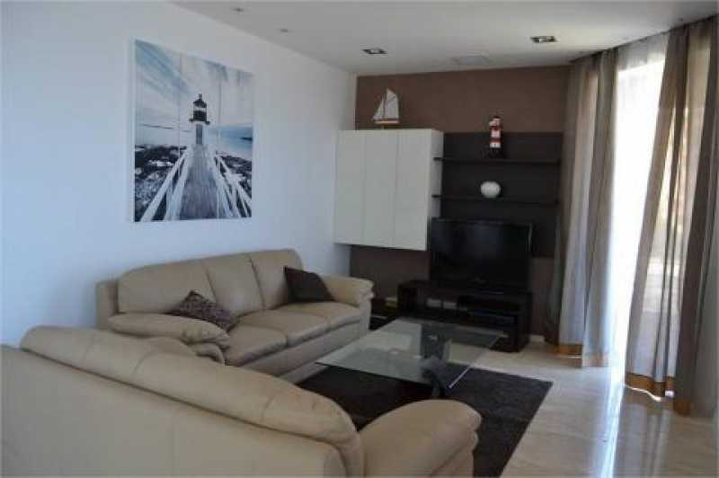 Apartment 2 Bedrooms St Pauls Bay To Let
