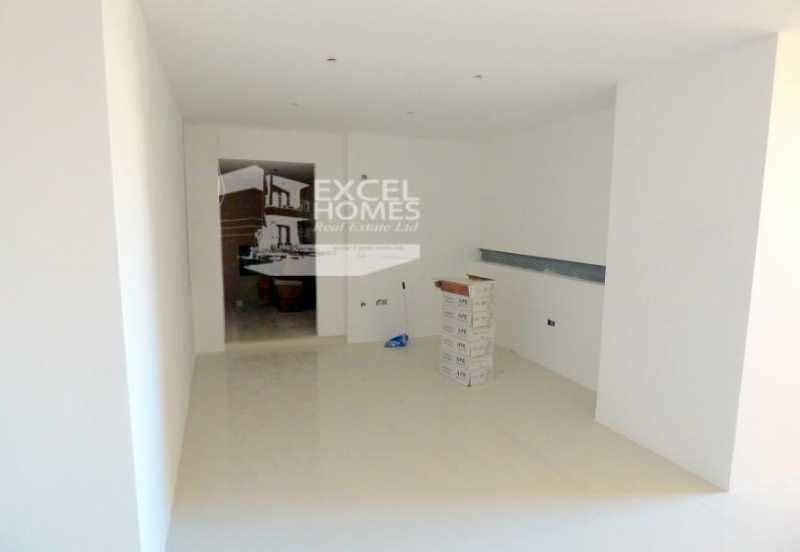 Commercial Attard For Sale