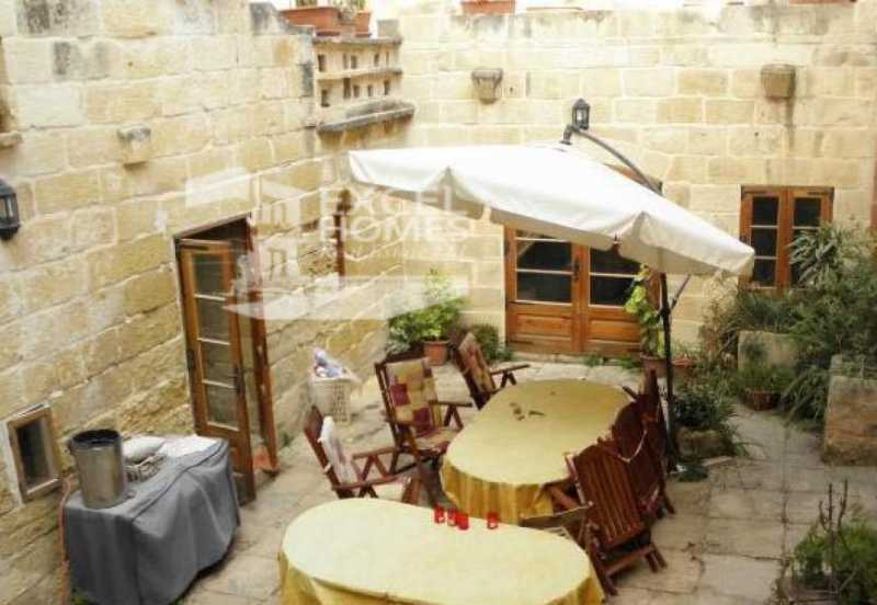 Farmhouse 3 Bedrooms Zurrieq For Sale