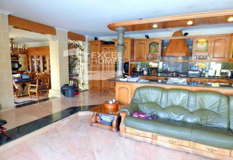 Villa 1 Bedrooms Attard For Sale