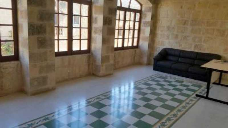 Commercial Mosta To Let